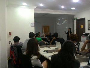 Na primeira edição carioca do curso de Etnografia em Mídias Sociais, a profª Débora Zanini apresenta vantagens e desvantagens do método. Fonte: Facebook IBPAD